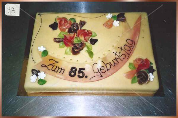 Geburtstagstorte mit 85